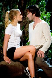 Anna Paquin as Sookie Stackhouse and Stephen Moyer as Bill Compton in TRUE BLOOD (Image Credit: HBO)