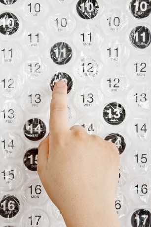 Bubble Wrap Calendar (Image Credit: http://www.perpetualkid.com)
