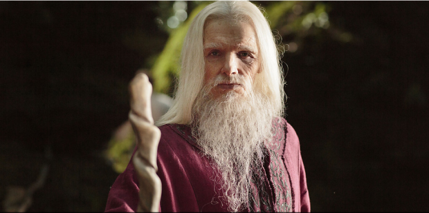 Colin Morgan a Emrys in MERLIN (Image Credit: http://www.bbc.co.uk)
