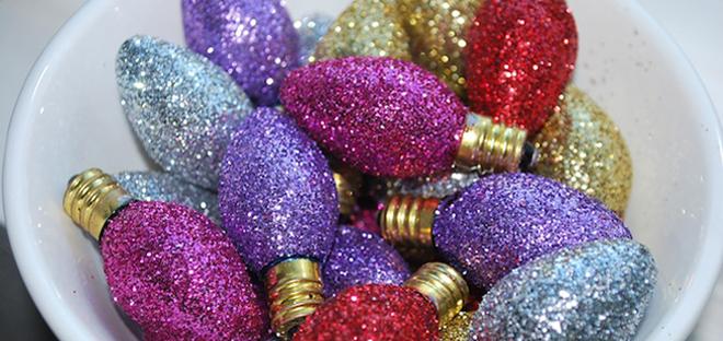 Diy Vintage Glitter Bulbs By The Moody Fashionista So