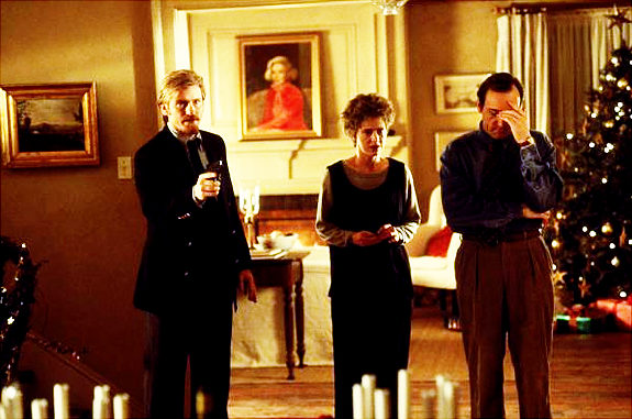 Denis Leary, Judy Davis, and Kevin Spacey in THE REF