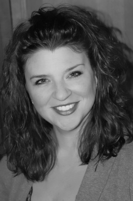 Author Amy Hatvany (Image Credit: http://www.amyhatvany.com/)