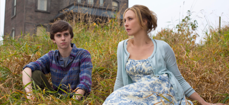 Freddie Highmore as Norman Bates and Vera Farmiga as Norma Bates in BATES MOTEL