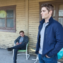 Max Thieriot as Dylan Massett and Mike Vogel as Deputy Zack Shelby in BATES MOTEL (Image Credit: Joseph Lederer)