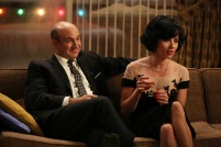 Arnold Rosen (Brian Markinson) and Sylvia Rosen (Linda Cardellini) - Mad Men (Photo Credit: Michael Yarish/AMC)
