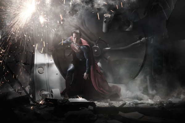 Henry Cavill as Superman in MAN OF STEEL (Image Credit: Warner Bros.)