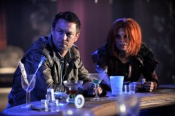 Grant Bowler as Jeb Nolan and Stephanie Leonidas as Irisa in DEFIANCE (Image Credit: Ben Mark Holzberg/Syfy)