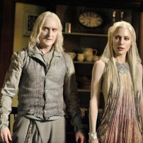 Tony Curran as Datak Tarr and Jamie Murray as Stahma Tarr in DEFIANCE (Image Credit: Ben Mark Holzberg/Syfy)