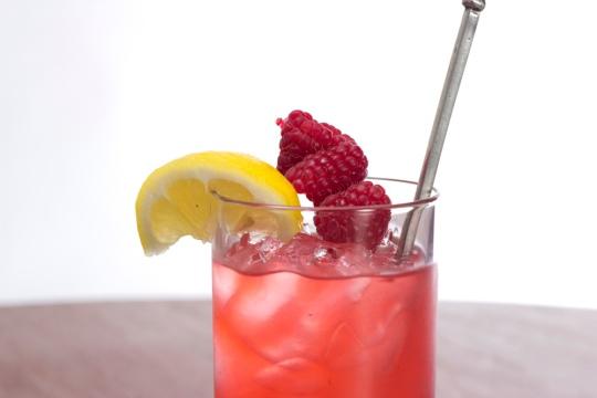 Raspberry Muddled Rebuttal (Image Credit: Dinner Series)