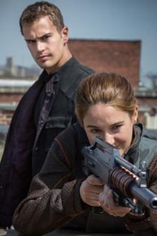 Shailene Woodley and Theo James in DIVERGENT (Image Credit: Jaap Buitendijk / Summit Entertainment)