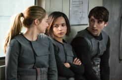 Shailene Woodley, Zoe Kravitz, and Ben Lloyd in DIVERGENT (Image Credit: Jaap Buitendijk / Summit Entertainment)