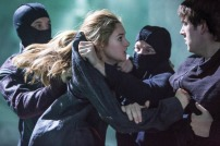 Shailene Woodley and Christian Madsen in DIVERGENT (Image Credit: Jaap Buitendijk / Summit Entertainment)