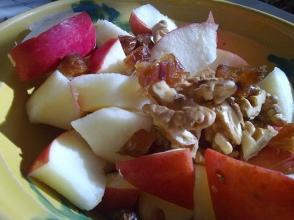 Fruit and Nut Bowl (Image Credit: Flickr User Lablasco)