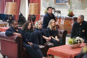 Kam, Melina, Lindsey, Kris, Ronnie, and Don in WHODUNNIT?(Image Credit: ABC/Nicole Wilder)