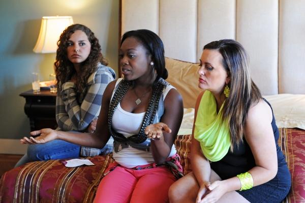 Melina, Sasha, and Dana in WHODUNNIT?(Image Credit: ABC/Richard Foreman)
