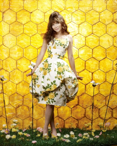 Anna Friel as Charlotte 'Chuck' Charles in PUSHING DAISIES (Image Credit: Warner Bros.)