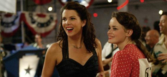 Lauren Graham and Alexis Bledel in THE GILMORE GIRLS (Image Credit: Warner Bros.)