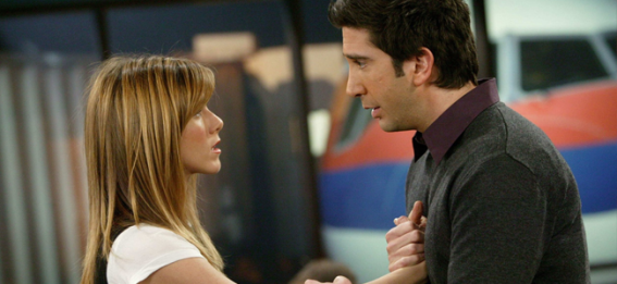 Jennifer Aniston as Rachel Green and David Schwimmer as Ross Geller in FRIENDS (Image Credit: Warner Bros.)