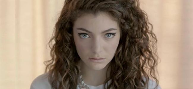 "Lorde performing ""Royals"" (Image Credit: Universal Music NZ Ltd)"