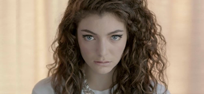 "Lorde performing ""Royals"" (Image Credit: Universal Music NZ Ltd)"