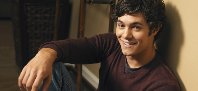 Adam Brody as Seth Cohen for THE OC (Image Credit: Warner Bros.)
