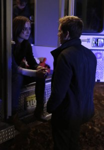 Jessica Stroup as Max Hardy and Kevin Bacon as Ryan Hardy in the THE FOLLOWING (Image Credit: Giovanni Rufino/FOX)