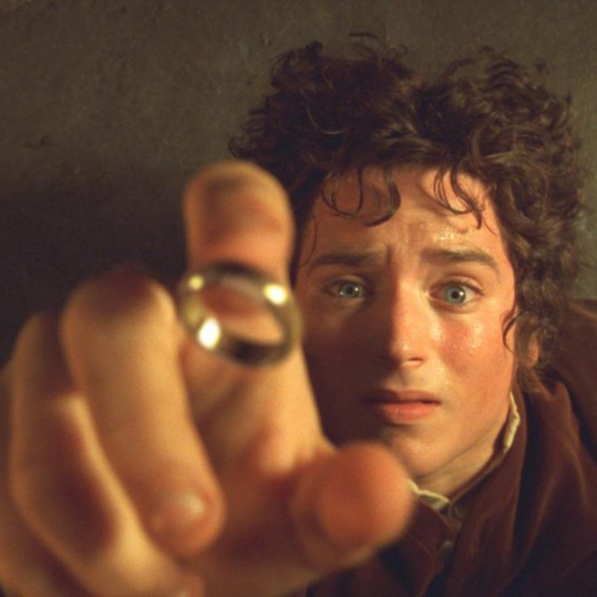 Elijah Wood as Frodo Baggins in LORD OF THE RINGS: FELLOWSHIP ON THE RING (Image Credit: New Line Productions)