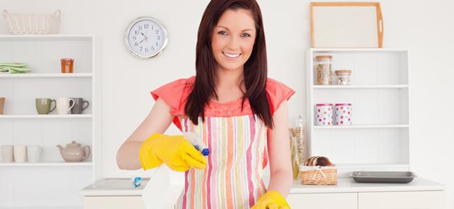 Homemade Cleaning (Image Credit: Wavebreak Media)