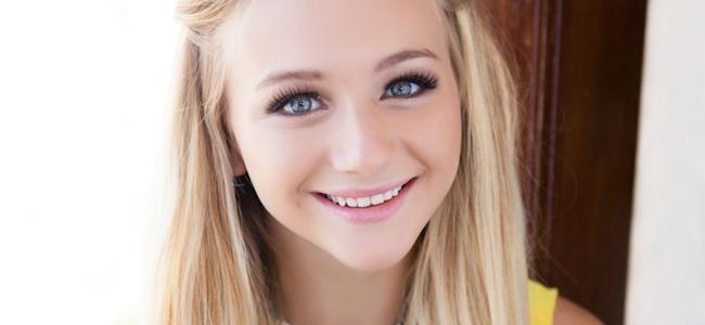 Mollee Gray (Image Credit: Danny Hernandez / Hair & Make-up: Allison Noelle / Stylist: Alonzo Johnson Jr.)