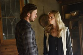 Greyston Holt as Clayton Danvers and Laura Vandervoort as Elena Michaels in BITTEN (Image Credit: Steve Wilkie/Syfy)