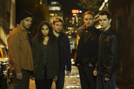 Andreas Apergis as Ray, Meaghan Rath as Sally Malik, Sam Huntington as Josh Levison, Vincent Leclerc as Marcus and Sam Witwer as Aidan Waite in BEING HUMAN (Image Credit: Philippe Bosse/Syfy)