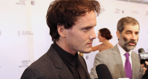 Anton Yelchin on the Red Carpet of 5 TO 7 (Image Credit: Sean Torenli / The Daily Quirk)