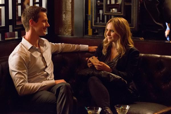 Jason Dohring as Logan Echolls & Kristen Bell as Veronica Mars in VERONICA MARS (Image Credit: Robert Voets/Warner Bros.)