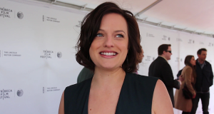 Elisabeth Moss on the red carpet for THE ONE I LOVE (Image Credit: Sean Torenli / The Daily Quirk)