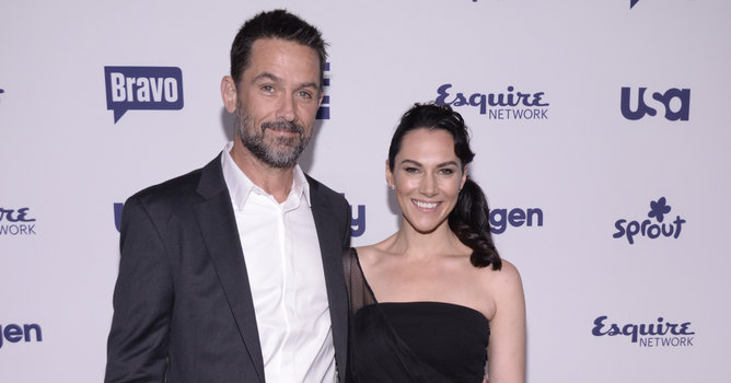 Billy Campbell and Kyra Zagorsky of HELIX (Image Credit: Dave Kotinksy/NBCUniversal Cable Entertainment)