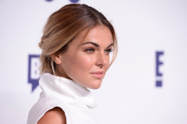 Serinda Swan of GRACELAND (Image Credit: Dave Kotinksy/NBCUniversal Cable Entertainment)
