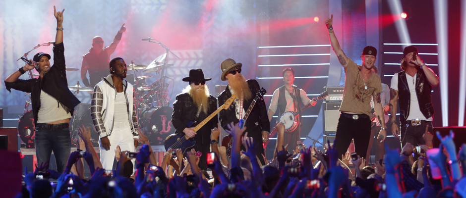 Florida Georgia Line, Luke Bryan, Jason Derulo and ZZ Top perform at the 2014 CMT MUSIC AWARDS (Image Credit: John Russell/CMT)