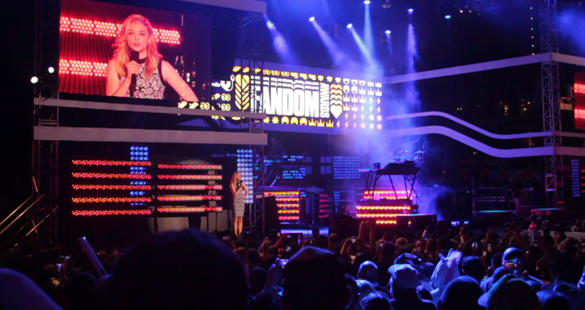VIDEO: An Inside Look at mtvU's First Ever Fandom Awards at SDCC!