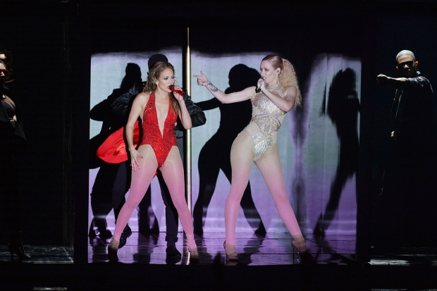 Jennifer Lopez and Iggy Azalea performing at the 2014 AMERICAN MUSIC AWARDS (Image Group LA/ABC)