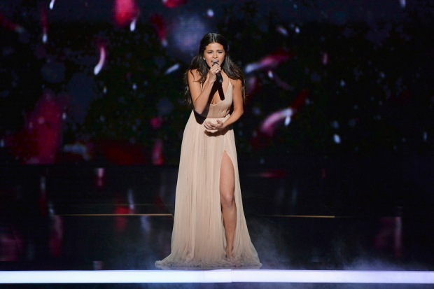 Selena Gomez performing at the 2014 AMERICAN MUSIC AWARDS (Image Group LA/ABC)