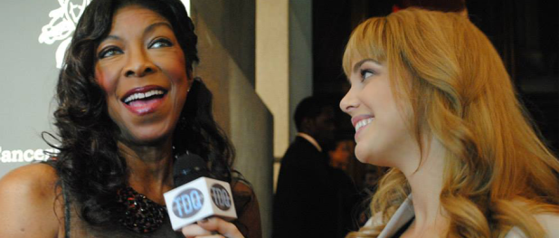 Natalie Cole with TDQ Correspondent Lauren Gambino at THE ANGEL BALL (Image Credit: Katie Gambuti / The Daily Quirk)