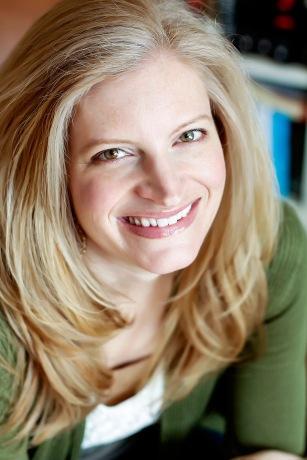 Author Amy Engel (Image Credit: Amy Engel)