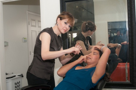 Ruby Nuno working on a client at Prime Brows (Image Credit: Renee Farias)